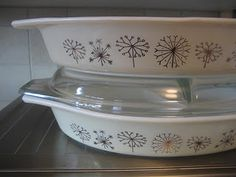 Vintage Pyrex Promotional Dandelion Piece from 1959!