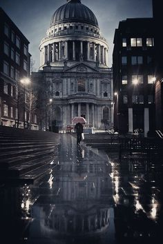 St. Paul's Cathedral under the rain