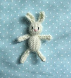 cute little knit bunny. could be sweet in the wee one's easter baskets....