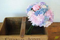 Ramo de novia rosa y azul suave