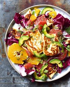 I call this salad hey look Antoni, citrus and avo, call me! I also call it radicchio, citrus, avo and haloumi salad with a dill and olive…