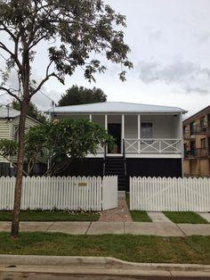 Prodigious Modern fence boards,Front yard fence design ideas and Privacy fence nwa. Garden Fence Panels, Fence Planters, Front Yard Fence, Fence Art, Fenced In Yard, Lattice Fence, Farm Fence, Dog Fence, Brick Fence