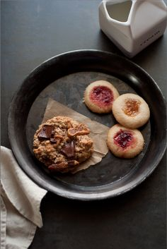 Edible Living by Sarah Copeland -- the woman KNOWS cookies!!!