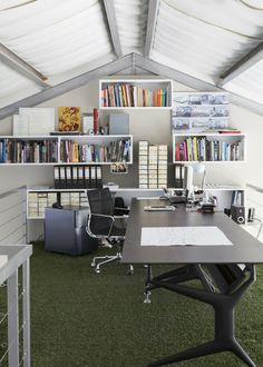 A local workspace, designed by Architect Sarah Calburn is a new interpretation of industrial design Creative Office Space, Workspace Design, Love Your Home, Industrial Revolution, Work Spaces, African Design, Warm Colors, Industrial Design, Safari