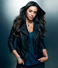 """Agents Of Shield Chloe Bennet Biker's Jacket Description: Chloe Bannet played the role of an Inhuman hacktivist and S.H.I.E.L.D. recruit who eventually becomes an agent with the ability to sense vibrations and create earthquakes.During the third season, the character no longer goes by """"Skye"""", and by the end is known as """"Quake"""" to the public The Agents of Shield Skye Jacket is one of the many fashionable leather jackets that was worn by Chloe Bennet. This biker jacket is known as Chloe Bennet Bik Chloe Bennett, Agents Of Shield Daisy, Agents Of S.h.i.e.l.d, Shield Cast, Film Jackets, Heros Comics, Marvel Comics, All Star Branco, Melinda May"""