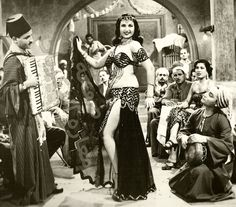 Naima Akef, a famous Egyptian actress and belly dancer during the Egyptian's cinema golden age Danza Tribal, Tribal Dance, Burlesque Costumes, Belly Dance Costumes, Divas, Egyptian Movies, Egyptian Actress, Belly Dance Outfit, Vintage Gypsy