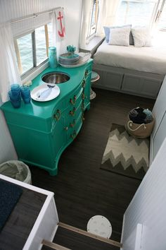 Chris and Kristen's Dreamy Houseboat