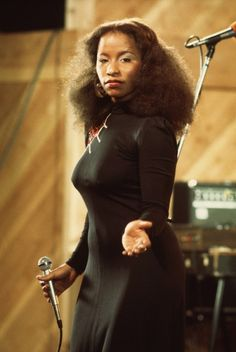 Born 1953 as Yvette Marie Stevens in Chicago, Illinois, American singer and songwriter Chaka Khan has her career spanned nearly five decades. Beautiful Black Women, Beautiful People, Beautiful Ladies, Divas, Chaka Khan, Vintage Black Glamour, Vintage 70s, Hip Hop, Female Singers