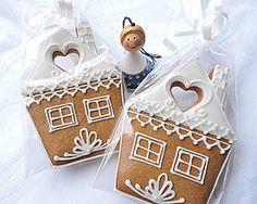 Dekorácie - Domček - 5940471_ Gingerbread Cookies, Christmas Cookies, Christmas Ornaments, Gingerbread Houses, Ginger House, Bread Man, Dough Ornaments, Fruits And Veggies, Cookie Decorating