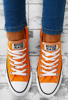 Converse Chuck Taylor All Star Orange Trainers Converse All Star, Orange Converse, Orange Shoes, Outfits With Converse, Converse Sneakers, Converse Chuck, Comfy Shoes, Cute Shoes, Elvis Presley
