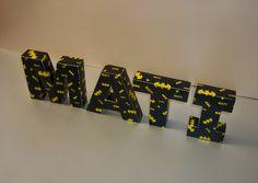 Minimandy. Letras de Papel en Bloque. Batman. Candy Bar. Centro de Mesa. Papel. Batman, Baby Boy Nurseries, Nursery Ideas, Lego, Babies, Bar, Architecture, Birthday, Theme Parties