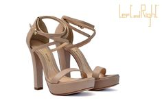V204-Sandals in waxy leather heel 10 color powder