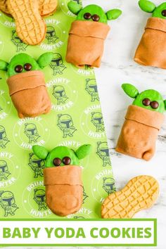 "These easy Baby Yoda Cookies are so much fun! They're no-bake and Nutter Butters are the base. Make them as a Star Wars party idea or just to stream ""The Mandalorian"" episodes! Star Wars Party Food, Star Wars Food, Star Wars Cookies, Star Wars Cake, Yoda Cake, Nutter Butter, Disney Food, Disney Recipes, Star Wars Birthday"
