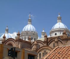 Follow along as we investigate, take a 30 day trip to live like a local and then move to Cuenca Ecuador for two years.