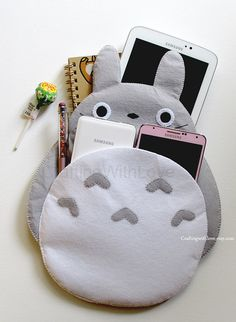 Totoro My Neighbour Mini iPad Case. Pink por craftingwithlove