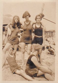 1920s Beach Scene. Interesting contrast to the very glamorous ideals of the 1920 and 30s, as usually presented in fashion photography (Hoyningen-Huene, for instance).
