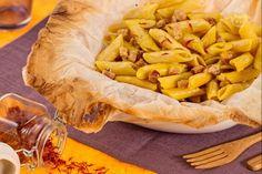 Le penne allo zafferano sono una gustosa ricetta, facile e veloce da preparare, il tempo di cuocere le penne ed è subito pronta.
