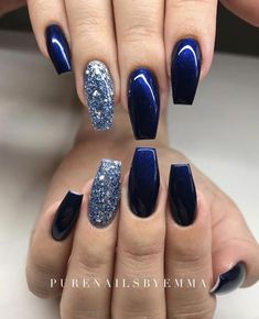 There are three kinds of fake nails which all come from the family of plastics. Acrylic nails are a liquid and powder mix. They are mixed in front of you and then they are brushed onto your nails and shaped. These nails are air dried. Sparkle Acrylic Nails, Gel Nails, Silver Sparkle Nails, Blue Glitter Nails, Nail Polish, Shellac, Stylish Nails, Trendy Nails, Blue And Silver Nails
