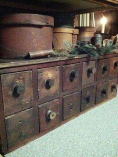 Storage for papercrafts Primitive Wreath, Primitive Homes, Primitive Kitchen, Primitive Antiques, Primitive Christmas, Country Primitive, Country Kitchen, Primitive Cabinets, Primitive Furniture