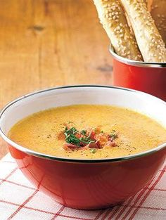 Food N, Food And Drink, Cheeseburger Chowder, Thai Red Curry, Soup Recipes, Koti, Dinner, Baking, Ethnic Recipes