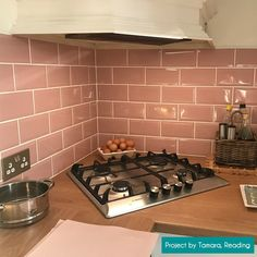 Transform a bathroom or kitchen wall with these brick shaped Covent Garden Pink Metro Tiles. Made from ceramic, they have a gloss finish and a bevel. Metro Tiles Kitchen, Kitchen Wall Tiles, Kitchen Cabinet Design, Kitchen Interior, Navy Kitchen, Pink Tiles, Covent Garden, Kitchen Remodel, Sweet Home