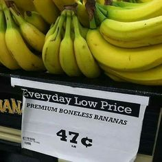 Funny pictures about Premium Bananas. Oh, and cool pics about Premium Bananas. Also, Premium Bananas photos. Funny Signs, Funny Memes, Jokes, Hilarious, Funniest Memes, Funny Videos, Times Supermarket, Make My Day, How To Make