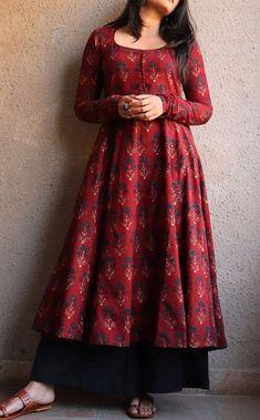 Long Kurta Designs, Silk Kurti Designs, Simple Kurta Designs, Tunic Designs, Kurta Designs Women, Stylish Dress Designs, Kurti Designs Party Wear, Designs For Dresses, Stylish Dresses