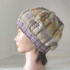 82437305d27a Bonnet en laine fantaisie - femme - tricoté main - tricot irlandais torsades  ajourées - coloris
