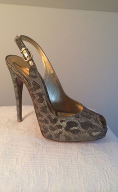 Wish I could find this shoe!!