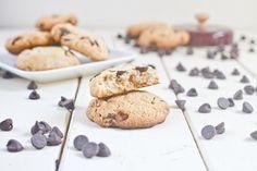 Almond Flour Chocolate Chip Cookies [Healthy, Wheat-free, Grain-free, Gluten-free, Simple, Vegetarian, Portable, Snacks, Breakfast, Desserts] *