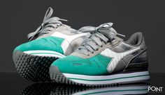 Zapatillas Diadora Titan Pois Gris Verde, ya puedes #compraronline el modelo de #zapatillasDiadoraTitanPois en la #tiendaonlinedezapatillas #ThePoint, esta vez #Diadora crea el modelo en color gris, verde y detalles en blanco, visítanos y descubre la #nuevacolección #OtoñoInvierno2015 http://www.thepoint.es/es/zapatillas-diadora/1202-zapatillas-mujer-diadora-titan-pois-gris-verde.html