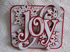 Love this idea for my ornaments or an embellishment for a scrap layout Cricut Cartridges- Winter Woodland (Joy), winter Lace (Snowflakes), Ashlyn's Alphabet (Swirl), George (Rounded rectangle). Cricut Christmas Cards, 3d Christmas, Cricut Cards, Xmas Cards, Handmade Christmas, Holiday Cards, Woodland Christmas, Diy Cards, Winter Cards