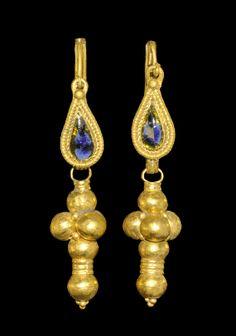 Roman Gold Hercules' Club Earrings, 1st/3rd century A.D.