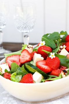 Bon Appetit, Fruit Salad, Summer Time, Salad Recipes, Food And Drink, Strawberry, Cooking Recipes, Keto, Nutrition