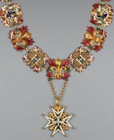Précieux collier de chevalier de l'ordre du Saint-Esprit par Jean-Charles Cahier.