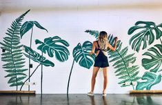 Tropical mural painted for the Rockstar Room at the new Selina in Nosara, Costa Rica. Wall Painting Decor, Stencil Painting On Walls, Art Studio Room, Wall Mural Decals, Balkon Design, Fence Art, Tree Wallpaper, My Secret Garden, Plant Wall