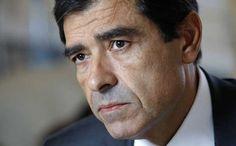 Um dia, Adriano Moreira, que foi ministro do Ultramar de Salazar, comparou o ex-director de Informação da RTP José Eduardo Moniz à polícia política do Estado Novo