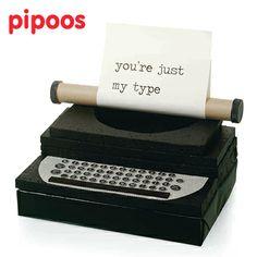 Typemachine Typewriter #Sinterklaas #Surprise #Suprise  #Pipoos www.pipoos.com