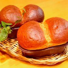 やっぱり美味しい(^_-) めぐみさんの味噌はちみつパン!  ミニパウンド型の新IFトレーを買ったので 大きめに焼いてみました。 この生地、むくむく膨らむの忘れてた… 次は3つに分けて焼かなきゃ~   でも、やっぱり小さく焼いてつまめるほうが 美味しいかな~と思います。 とにかく香ばしくてよい香り 味噌はちみつパンLoveです(^_-) - 189件のもぐもぐ - リピ天野めぐみさんの 味噌はちみつパン! by usakame