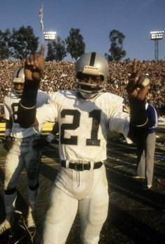 Wide Receiver Cliff Branch of the Oakland Raiders Super Bowl CHAMPION!!!!!!