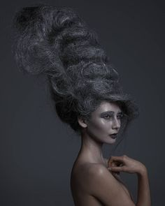 Hair shoot with some serious talent. #hairstylist : @stephmeyer_hairstylist  #model : @evelynilona  #mua : @missievillamor . . . . #hair #hairstyling #bighair #hairstyle #studio #canon5dmarkiv #5dmarkiv #5dmark4 #captureone #detail #beauty #singlelight #girl #love #hairmat #birdsnest