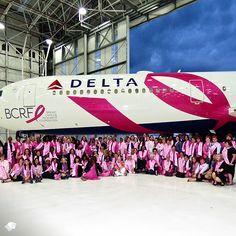 Aeroméxico y Delta Airlines unen causas contra el cáncer de mama.