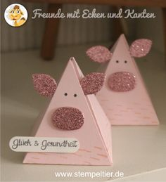 StampinUp pyramid pals playful pals buddies with rough edges pig pig New Years Luck Pig Crafts, Diy And Crafts, Crafts For Kids, Paper Crafts, 3d Birthday Card, Paper Box Template, Stampin Up Paper Pumpkin, Three Little Pigs, Animal Cards