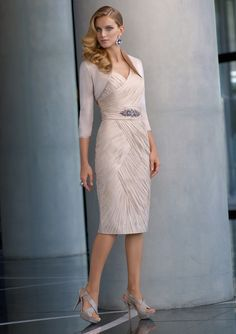 Elegant Wedding Outfits For Mother Of The Bride - http://www.ikuzowedding.com/elegant-wedding-outfits-for-mother-of-the-bride/