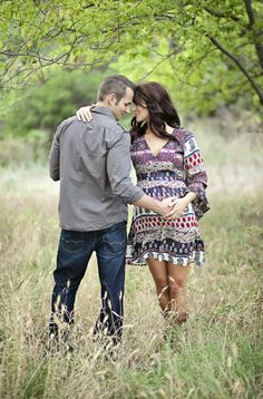 Want this pose for sure! I know I'm not prego but we can still do it! :)