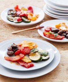 Antipasti mit Pilzen, Möhren, Zucchini und Paprika