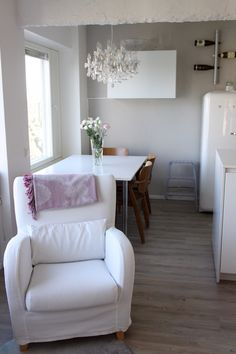 Homevialaura | Beautiful apartment on sale in Helsinki | styling