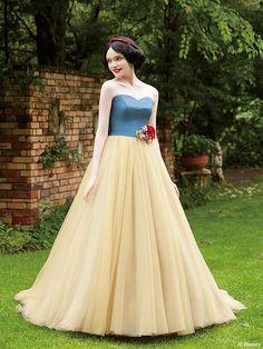 白雪姫 | プリンセスドレス | サードコレクション | ディズニー ウエディング ドレス コレクション Disney Wedding Dresses, Disney Dresses, Princess Wedding Dresses, Disney Princess Cosplay, Disney Princess Dresses, Robes Disney, Beautiful Dresses, Nice Dresses, Snow White Wedding