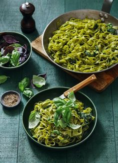 7 ακαταμάχητοι μεζέδες για μπίρα | Έθνος Pesto, Spaghetti, Chicken, Ethnic Recipes, Food, Essen, Meals, Yemek, Noodle
