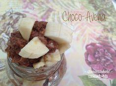 Choco-avena  Pon a fuego bajito 1tz. de #agua o de la #lechevegetal que prefieras (puede ser 1/2 de agua y 1/2 de leche también) con 1/3 de tz. de hojuelas de #avena y canela. Cuando empieze a hervir apaga el fuego y agrega 1c. de #cacao o #algarrobo. Yo le agrego una medida de polvo de #proteína de #chocolate para hacerla más completa pero es opcional. Integra bien y sírvelo con moras o #plátano.  xo!